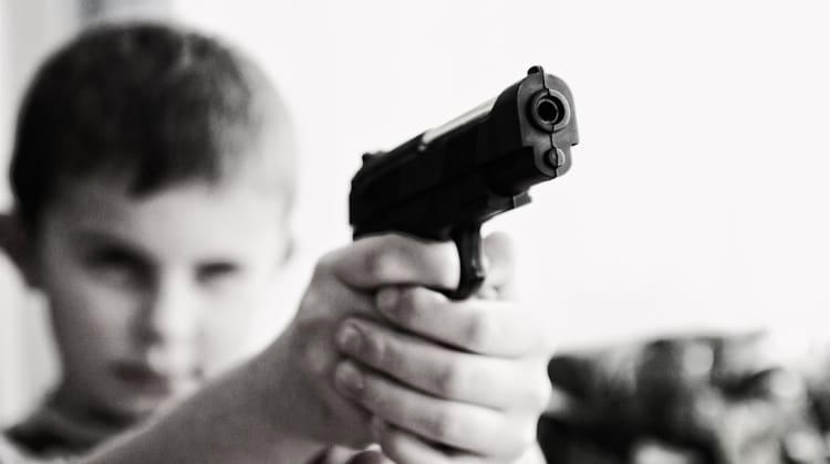 kind speelgoed wapen