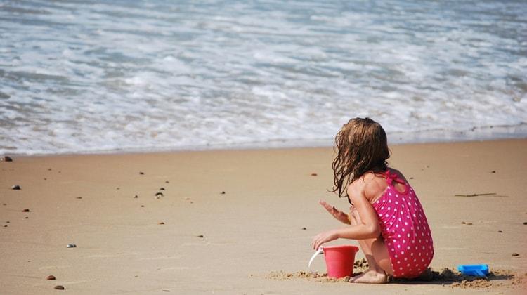 kind op strand